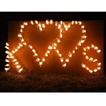 Brennendes Doppelherz mit zwei Buchstaben Ihrer Wahl, Lichterbild